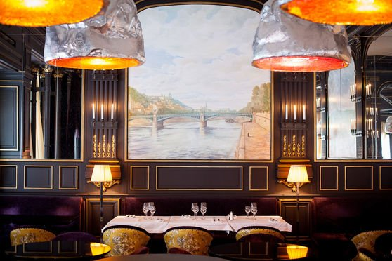 Le restaurant intérieur