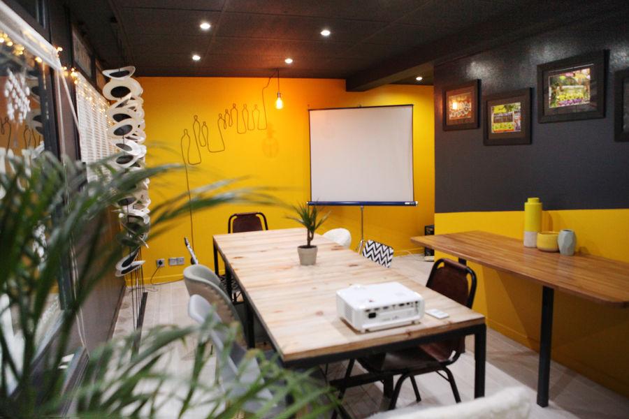 L'Usine Café & Coworking 4