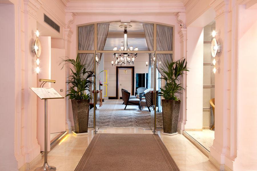 Cardinal Hotel Hall d'accueil