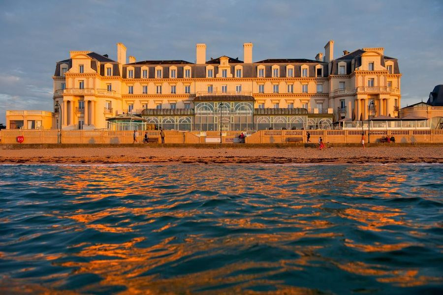 Grand Hôtel des Thermes ***** Grand Hôtel des Thermes *****