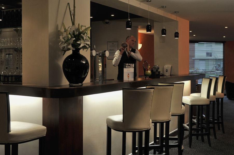 Mercure Maurepas Saint-Quentin **** Le bar