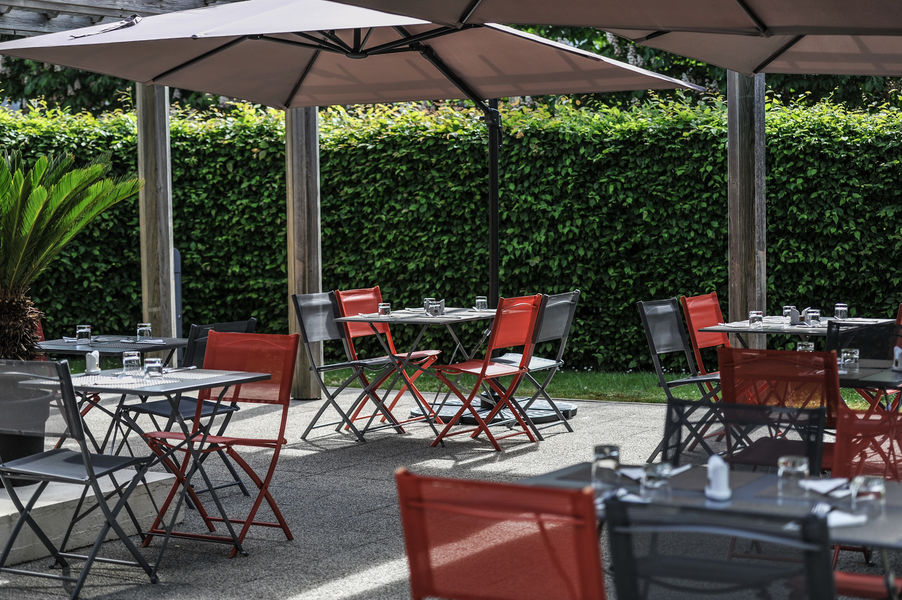 Mercure Maurepas Saint-Quentin **** La terrasse