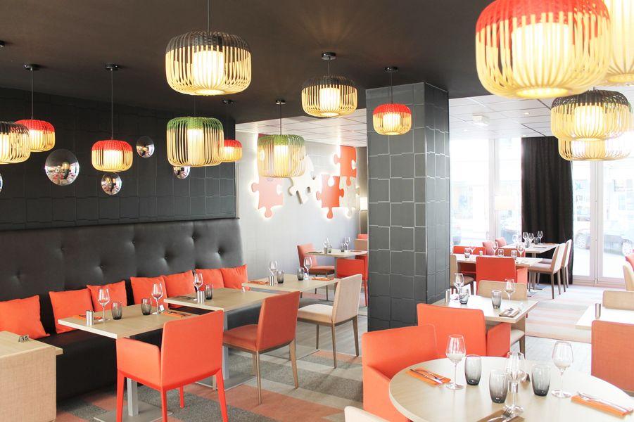 Hotel Mercure Marne la vallée Bussy St Georges Restaurant Le puzzle  - ouvert au déjeuner et diner de 12h à 14h et de 19h à 22h30