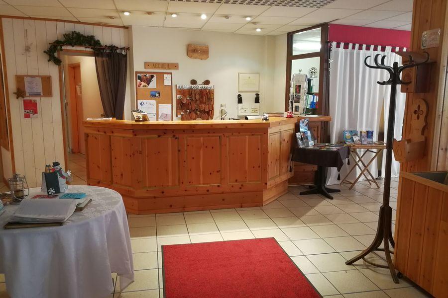 Hôtel Espace - Restaurant le Dormillouse Accueil
