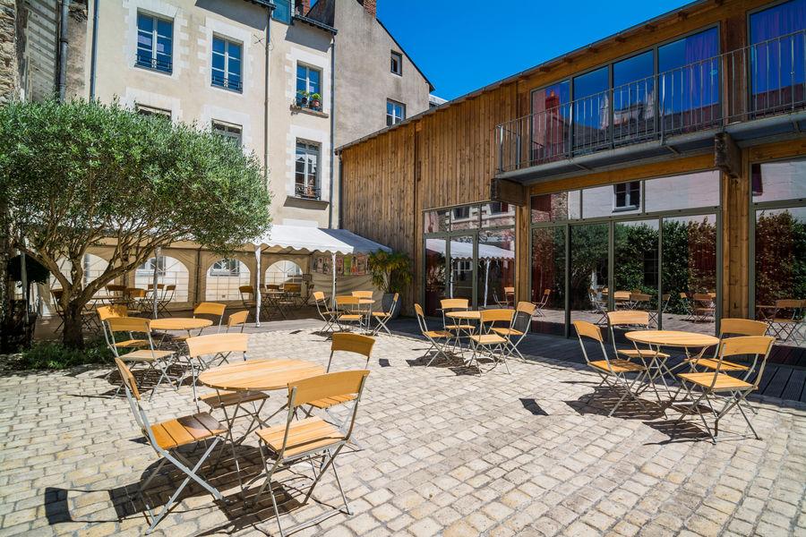 La Compagnie du Café Théâtre Cour intérieure