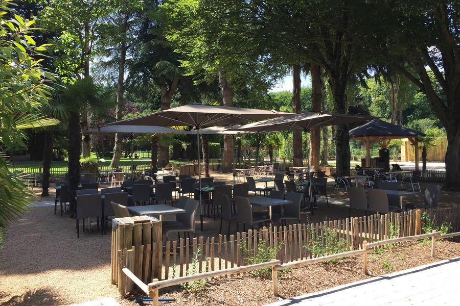 Domaine de la Bourbansais Terrasse du restaurant