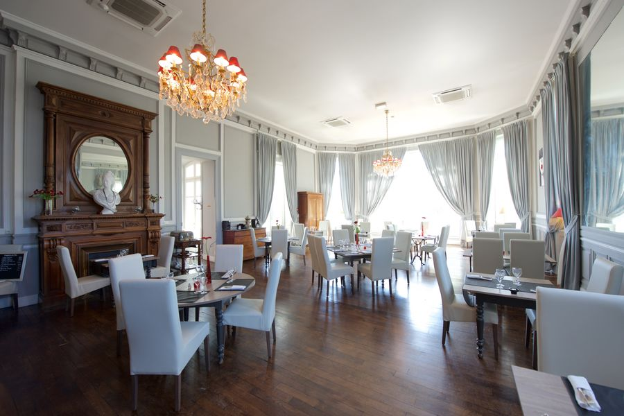 "Casino Hôtel du Parc Salies de Béarn*** Restaurant ""L'Atrium"""