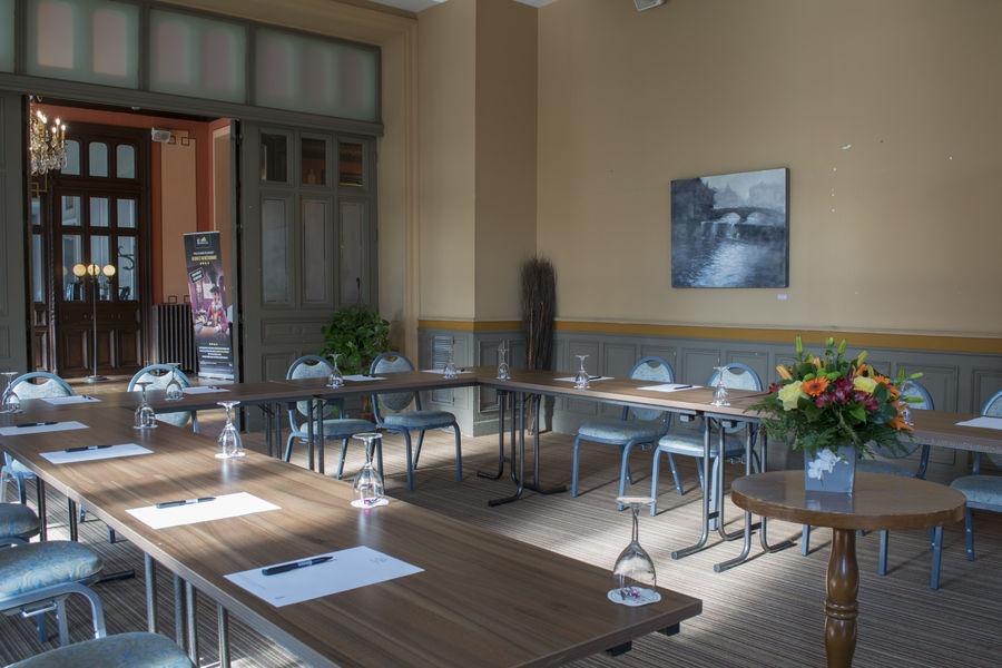 Casino Hôtel du Parc Salies de Béarn*** Salle Pyrénées, avec accès terrasse et vue sur le parc (attenante à la salle Atlantique)