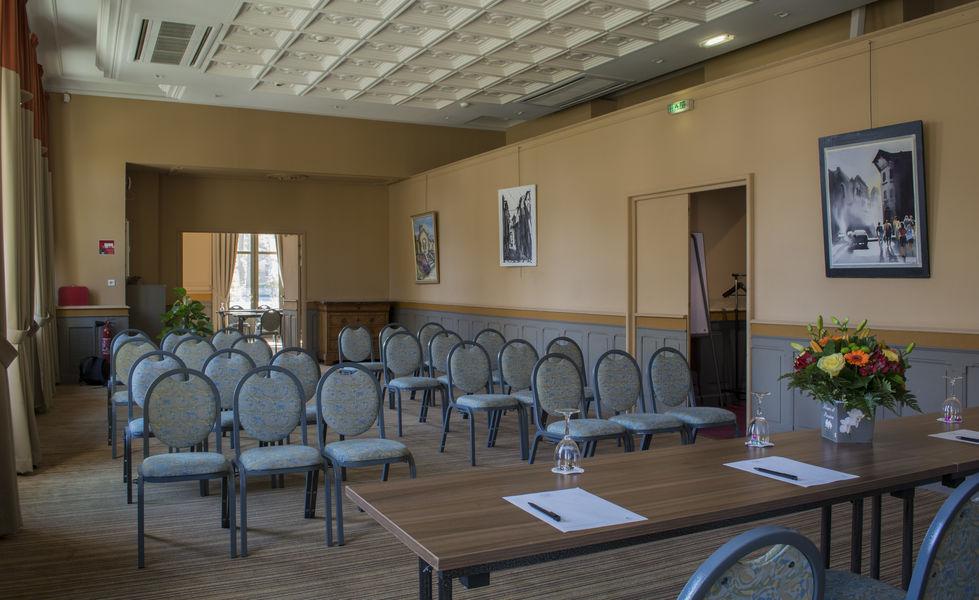 Casino Hôtel du Parc Salies de Béarn*** Salle Atlantique, avec vue sur jardin public et thermes (attenante à la salle Pyrénées)