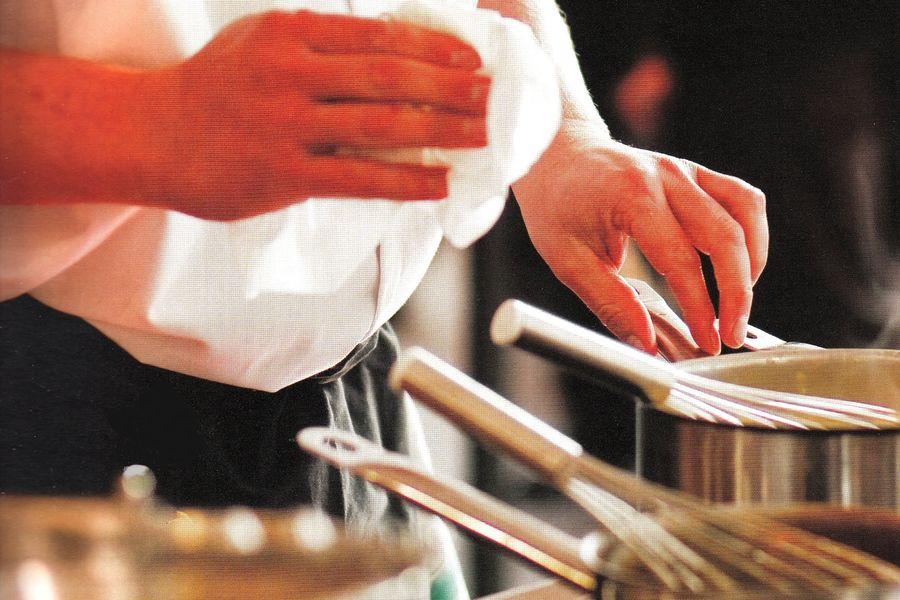 BOUCHON LYONNAIS LE CAVEAU DES GOURMANDS LYON 1ER  dans la cuisine des chefs 1