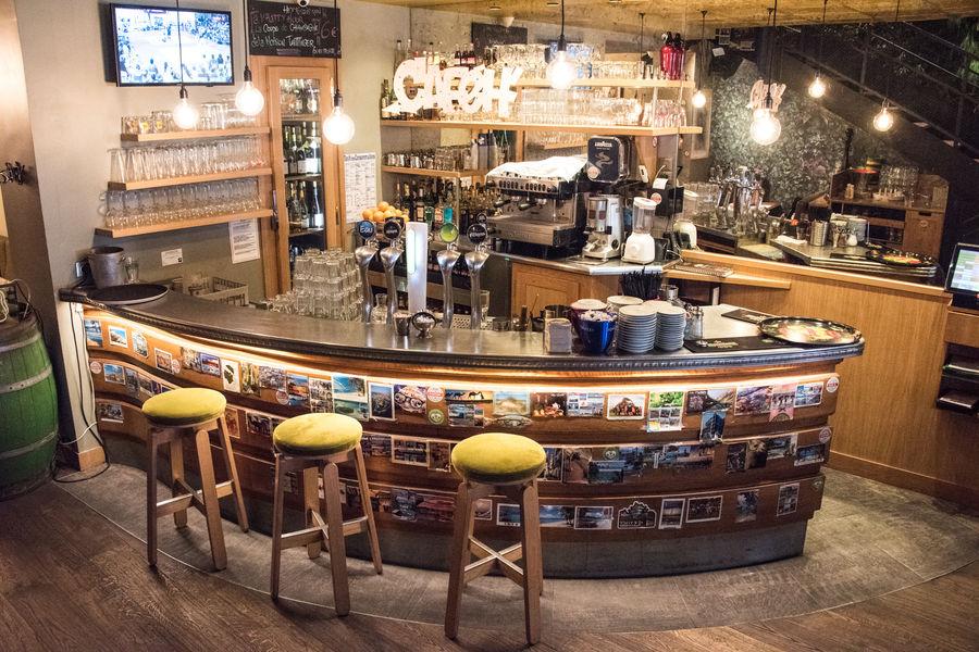 Le Café H  Le bar du Café H
