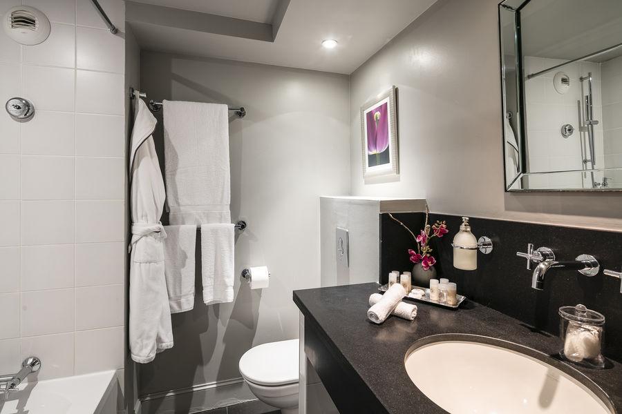 Villa Garbo Cannrd Salle de bain avec baignoire Villa Garbo