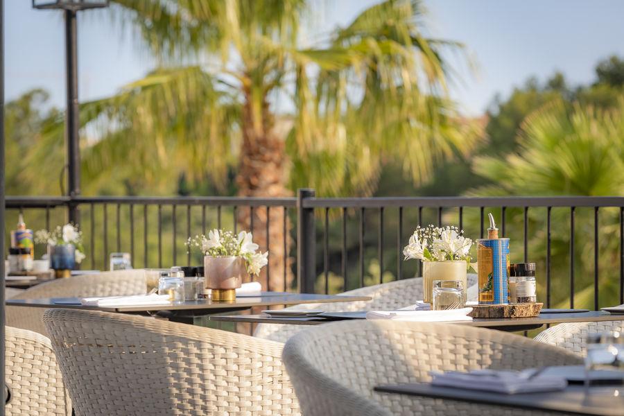 Sandton Hôtel Domaine Cocagne   Notre restaurant vous propose de délicieux plats méditérannées