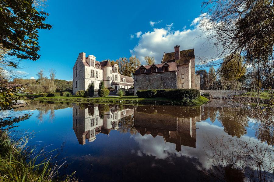 Château de Pontarmé Facade du château