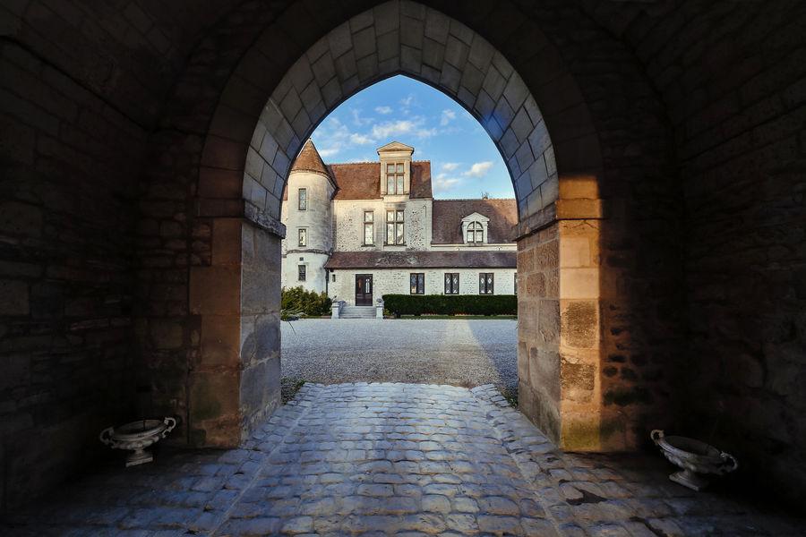 Château de Pontarmé La cour du château