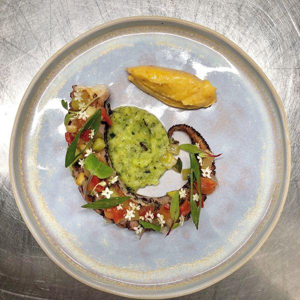 Le Dôme du Marais Poulpe grille, creme de courgette, sauce vierge & aïoli pimenton