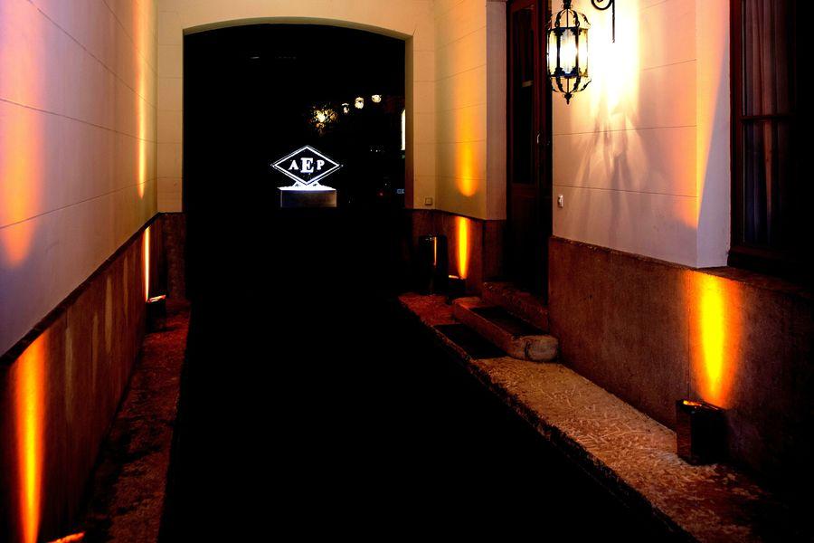 Hotel Particulier Iena Le porche d'entrée
