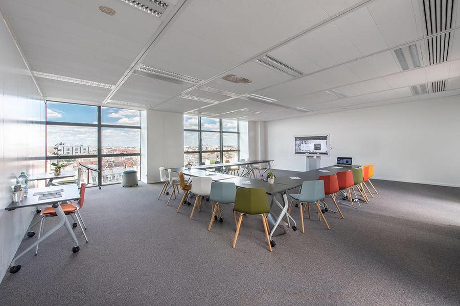 Work Inn by Weréso Salle Bristol