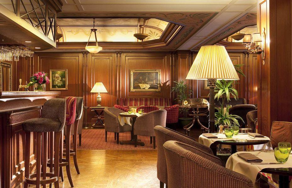 Hôtel Napoléon Paris ***** Restaurent le Bivouac