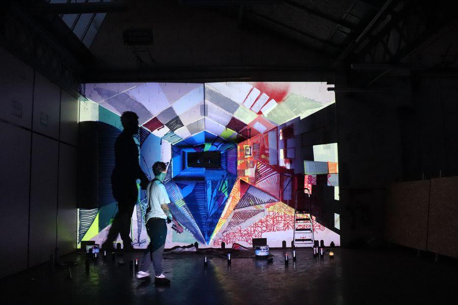 Les Halles du Faubourg Performance live de paint-mapping