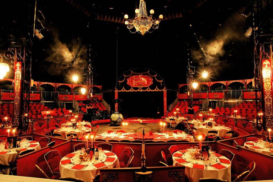 Espaces Cirque Bormann Chapiteau dîner assis