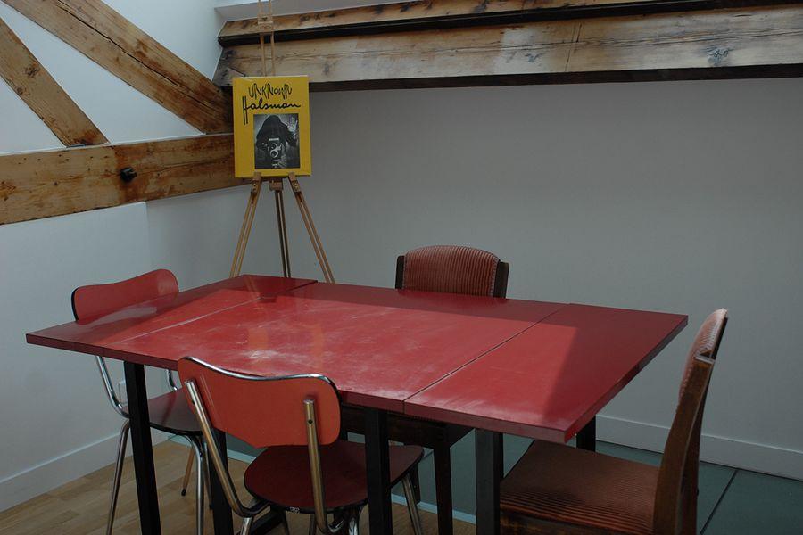 Le Laptop Salle de réunion atypique à l'étage
