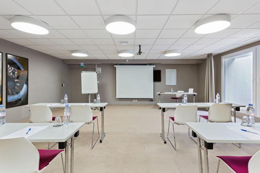Appart'City Paris Confort Vélizy **** Salle de séminaire