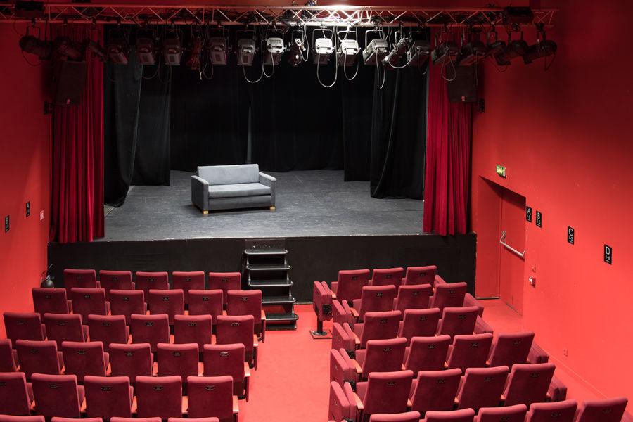 Théâtre Comédie Odéon SALLE DE THEATRE EN HAUT