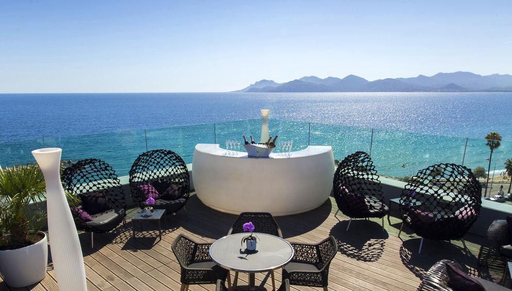 Radisson Blu 1835 Hôtel & Thalasso Cannes ***** Rooftop Terrace