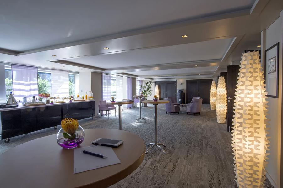 Radisson Blu 1835 Hôtel & Thalasso Cannes ***** Hall Cesar