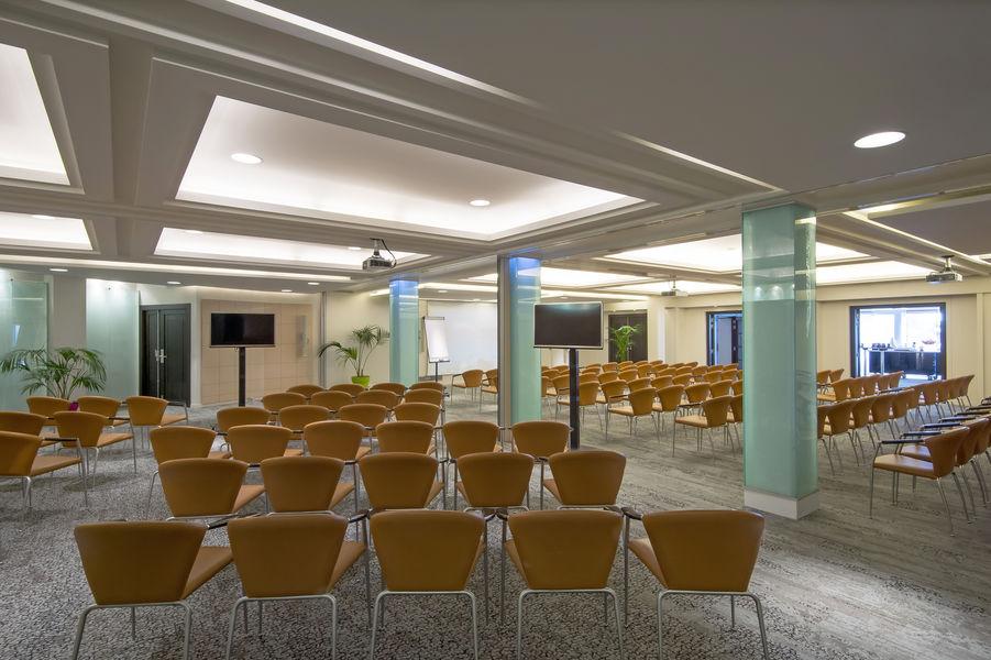 Radisson Blu 1835 Hôtel & Thalasso Cannes ***** Plénière