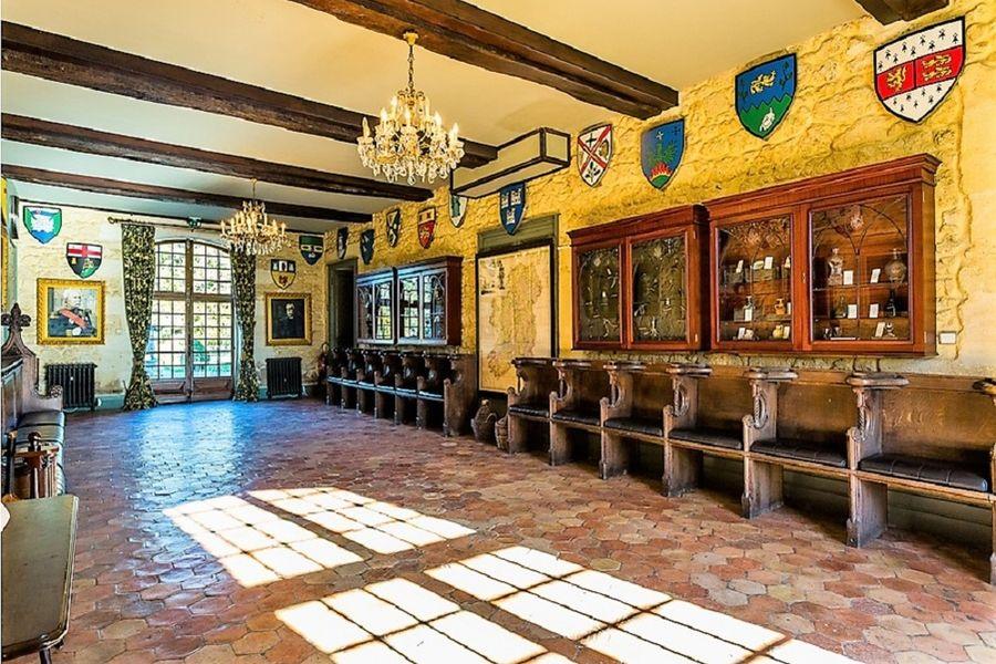 Château De La Ligne Le Grand Hall