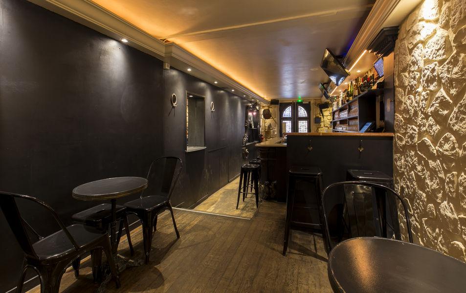 Oboose Paris Six Salle Bar