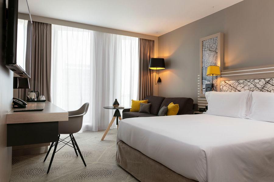 Hilton Garden Inn Bordeaux Centre **** Hilton Garden Inn Bordeaux Centre **** - family room Deluxe