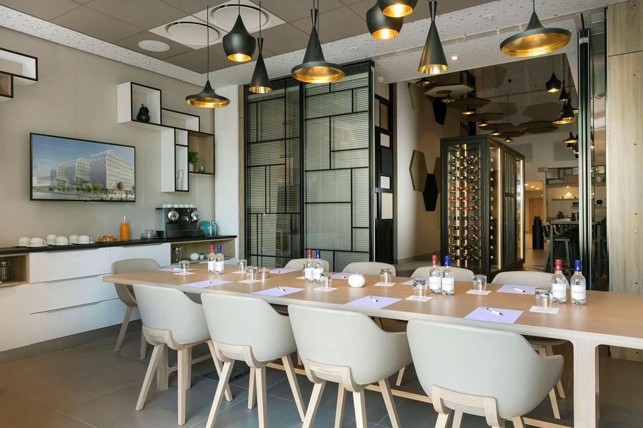 Hilton Garden Inn Bordeaux Centre **** Hilton Garden Inn Bordeaux Centre **** - salon Margaux