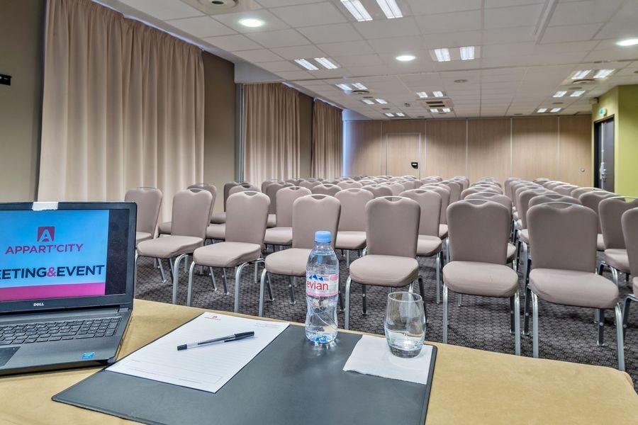 Appart'City Confort Le Bourget - Aéroport Salle de réunion