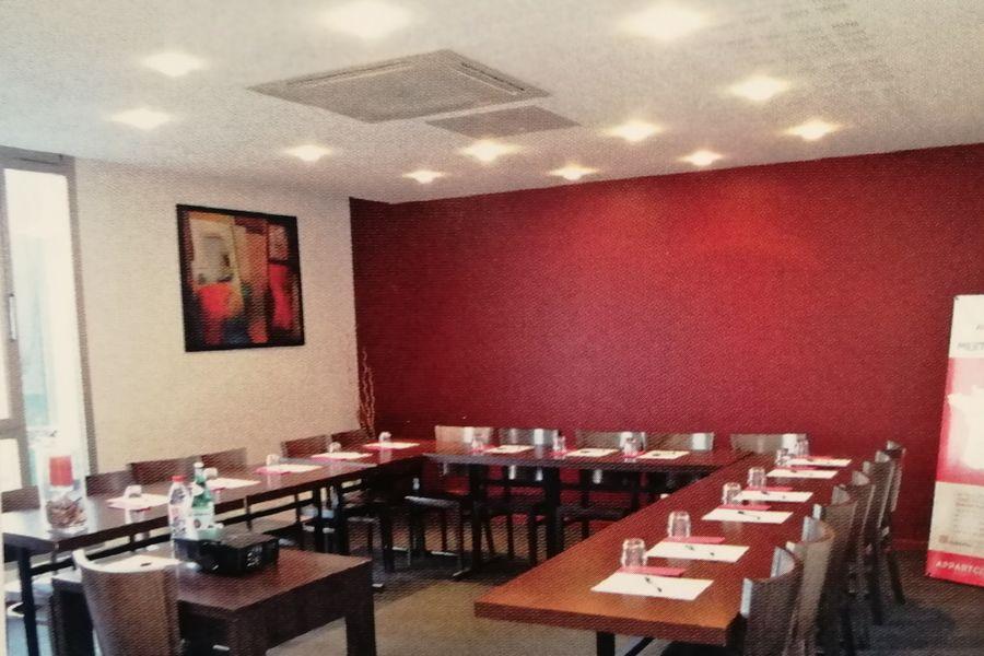 Appart'City Confort Nantes Ouest Saint-Herblain *** Salle de réunion