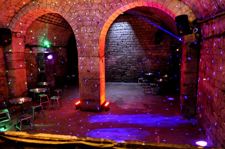 Caves Le Chapelais Salle DJ