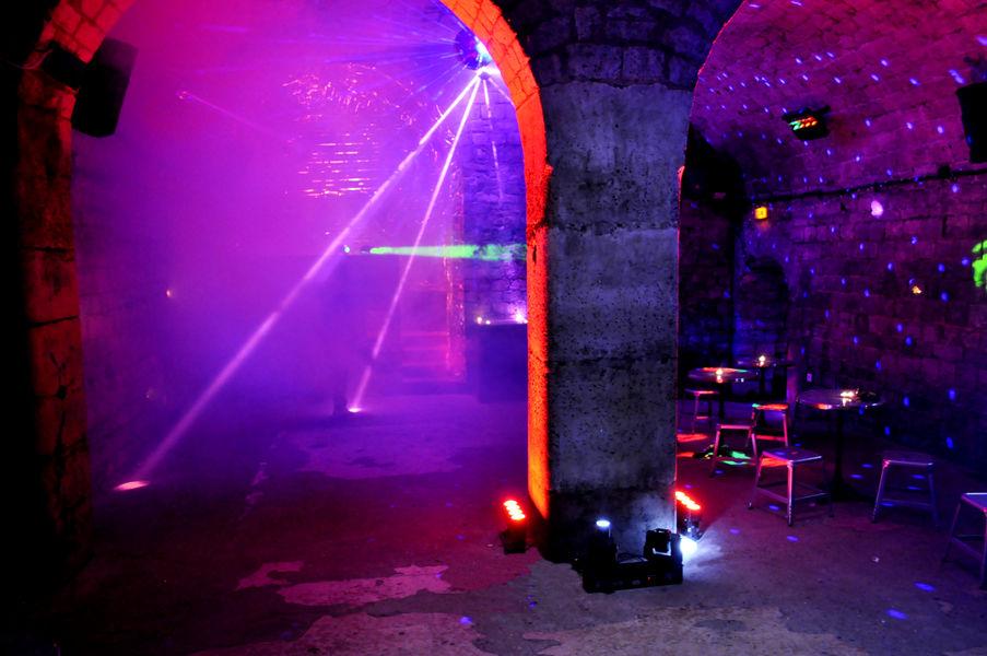 Caves Le Chapelais Salle DJ - Dance Floor