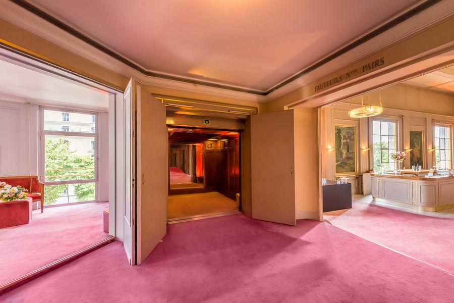 La Comédie & Studio des Champs Elysées. Ascenseur