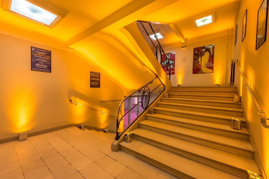 La Comédie & Studio des Champs Elysées. Escalier
