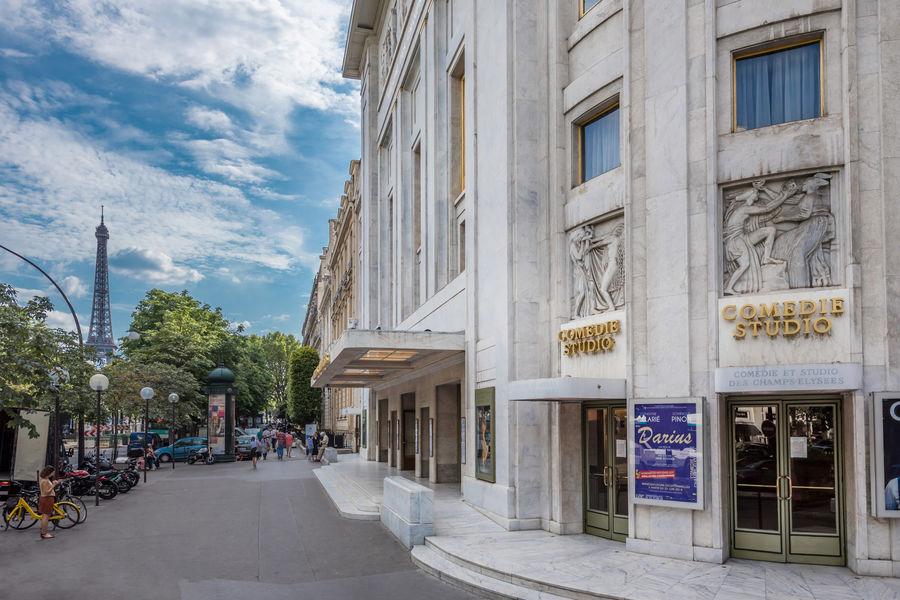 La Comédie & Studio des Champs Elysées. La façade du théâtre