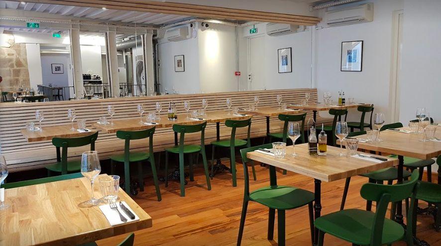 Pizza e Mozza  Salle de restaurant