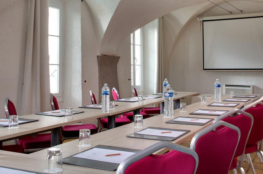 Boutique Hôtel - Hostellerie Bérard & Spa **** Salle du réfectoire des Moines de 70 m²