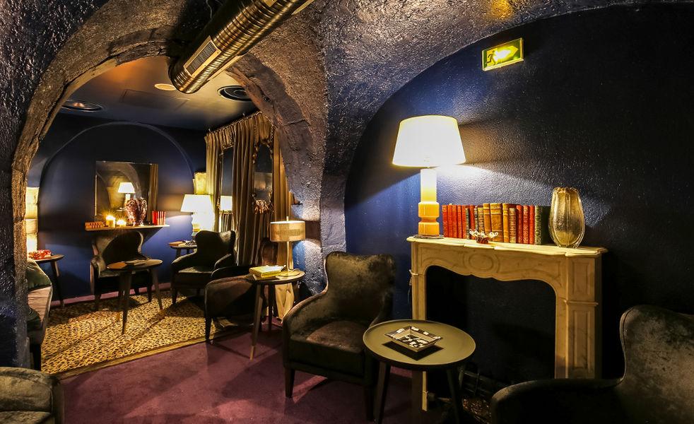 Le Brun Salon sous-sol