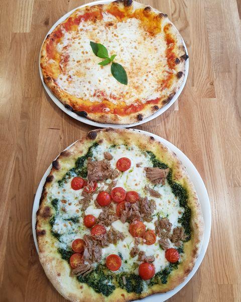 Pizza e Mozza  Pizzas !