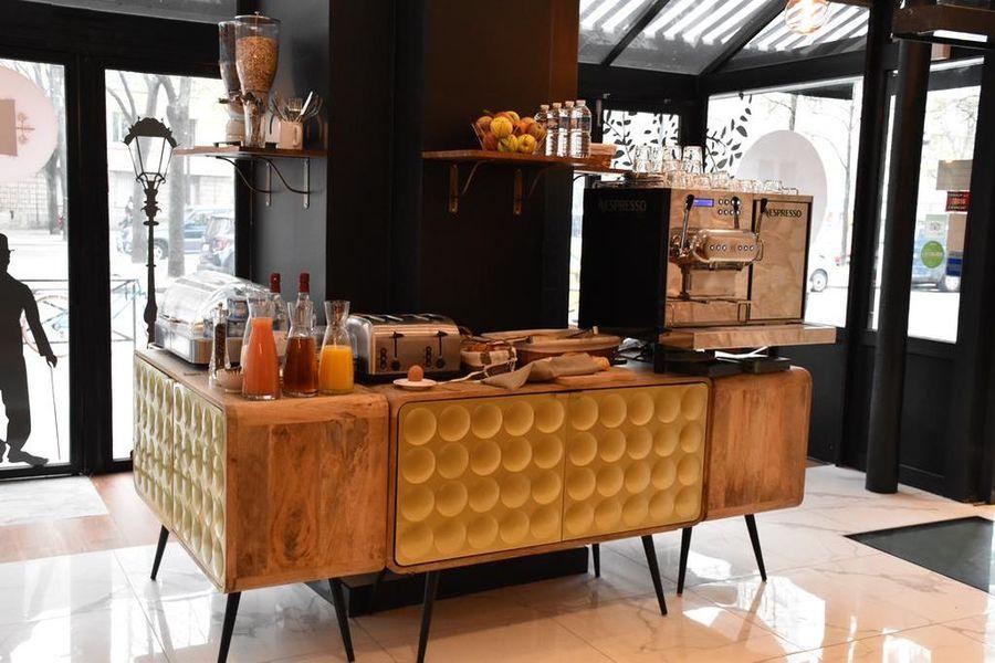 Hotel Tilde Salle petit déjeuner