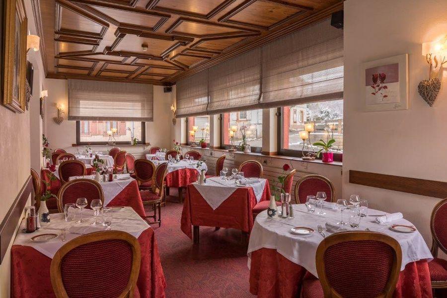 Hostellerie Motel au Bois Le Sire*** Salle restaurant