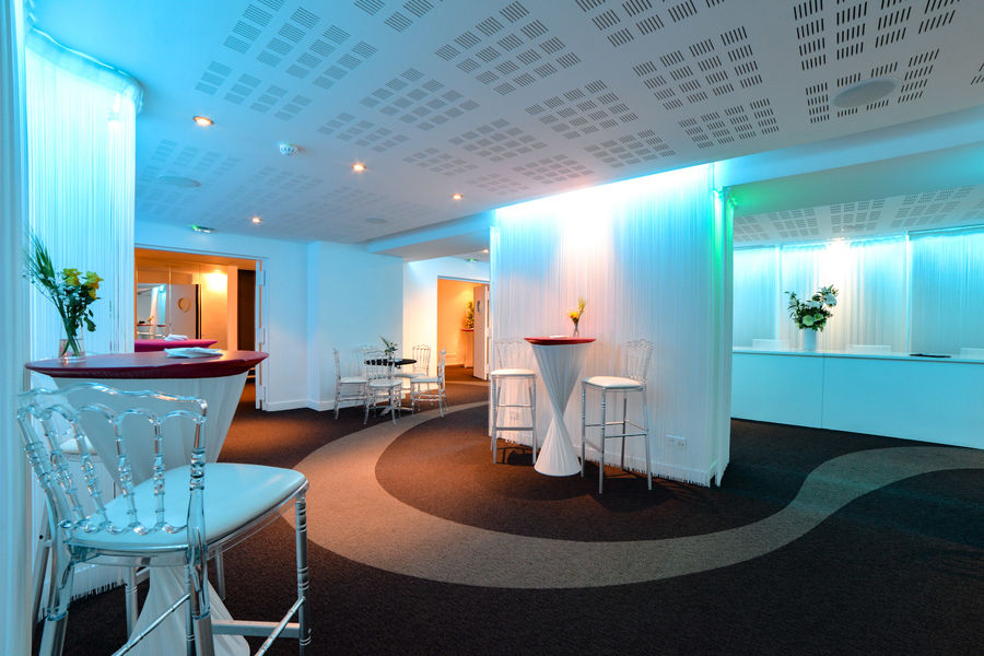 Club Laffitte Designer Lounge