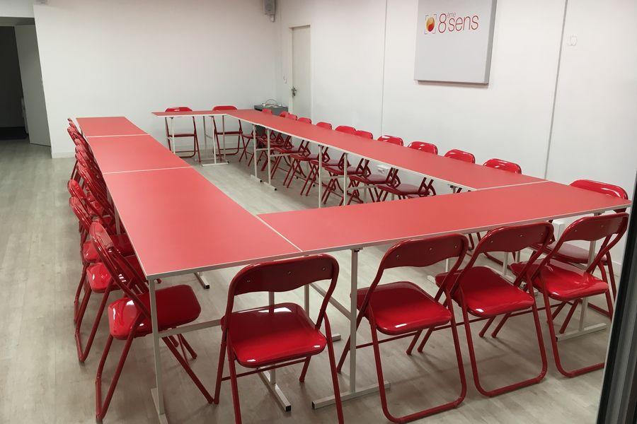 Salons 8ème sens Espace RDC avec salon privé, micro salle de réunion, tisanerie et terrasse privative de 30m2